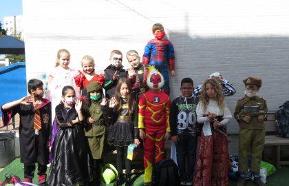 פורים שמח בעילית שובו הילדים חוגגים ביריד פעיליות והפתעות !